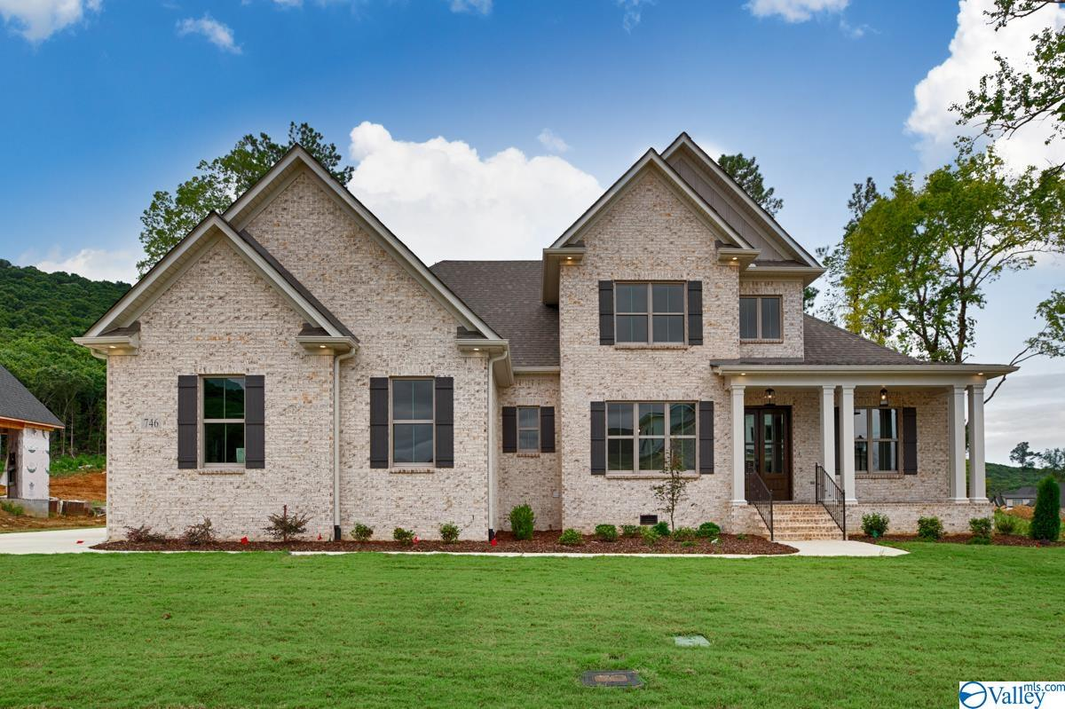 Photo of home for sale at 746 Indian Ridge Drive, Huntsville AL