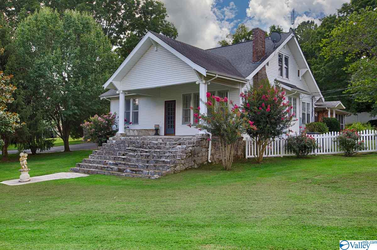 Photo of home for sale at 8288 Elkton Pike, Prospect TN