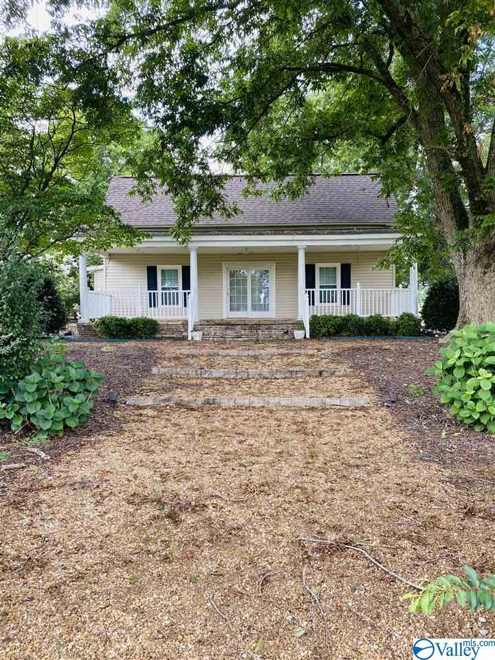 Photo of home for sale at 45 Watts Road, Boaz AL