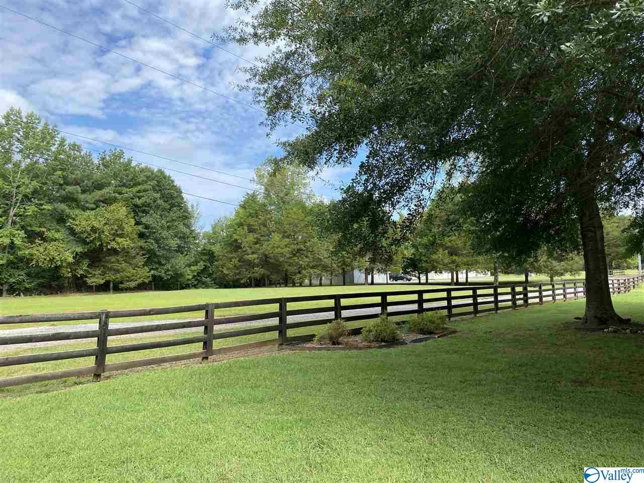 Photo of home for sale at 2341 Dug Hill Road, Brownsboro AL