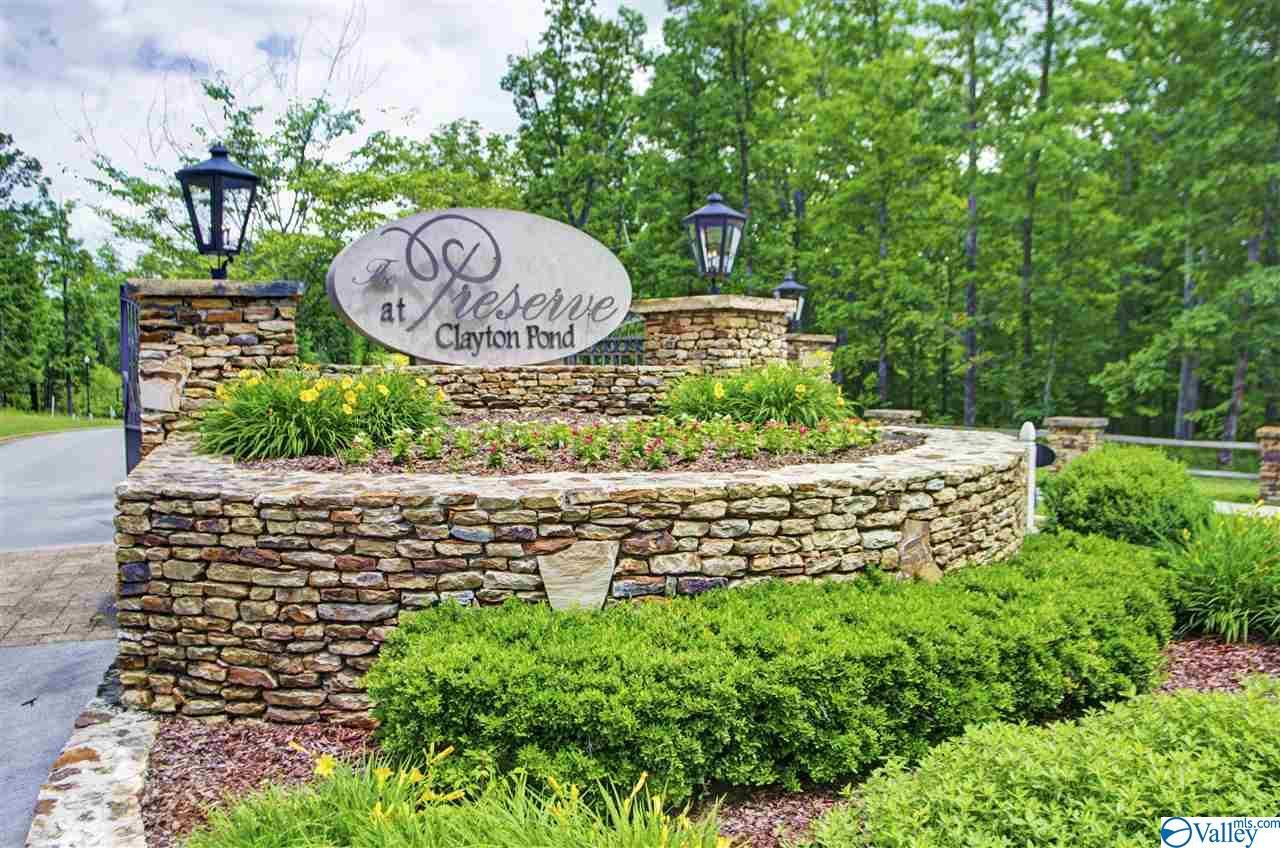 Photo of home for sale at 21 Autumn Glory Lane, Huntsville AL