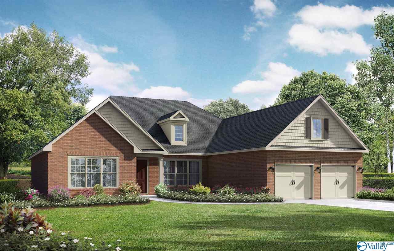 Photo of home for sale at 12606 Oak North Sw, Huntsville AL