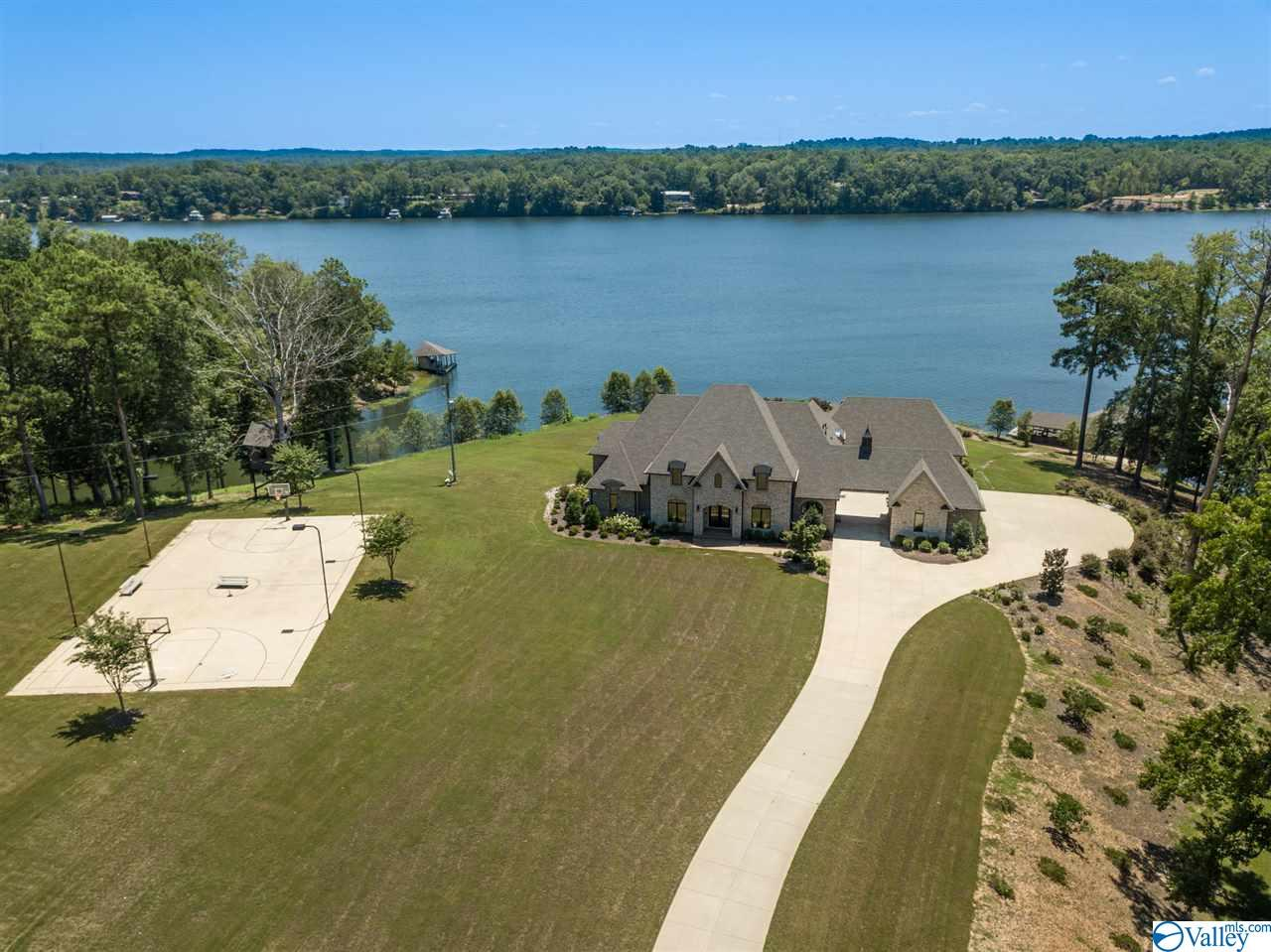 Photo of home for sale at 15139 Waters Edge Drive, Northport AL