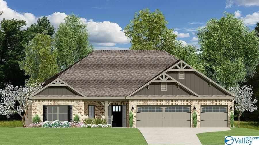 Photo of home for sale at 1701 Meadowbrook Parkway, Cullman AL
