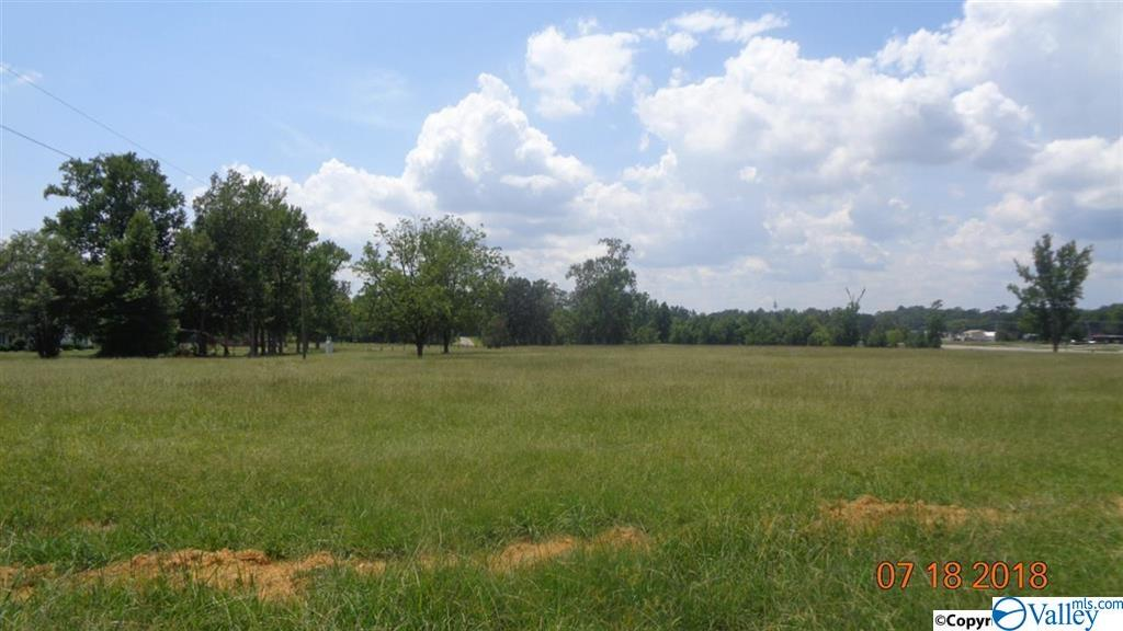 Photo of home for sale at 0 Alfords Bend Road, Hokes Bluff AL