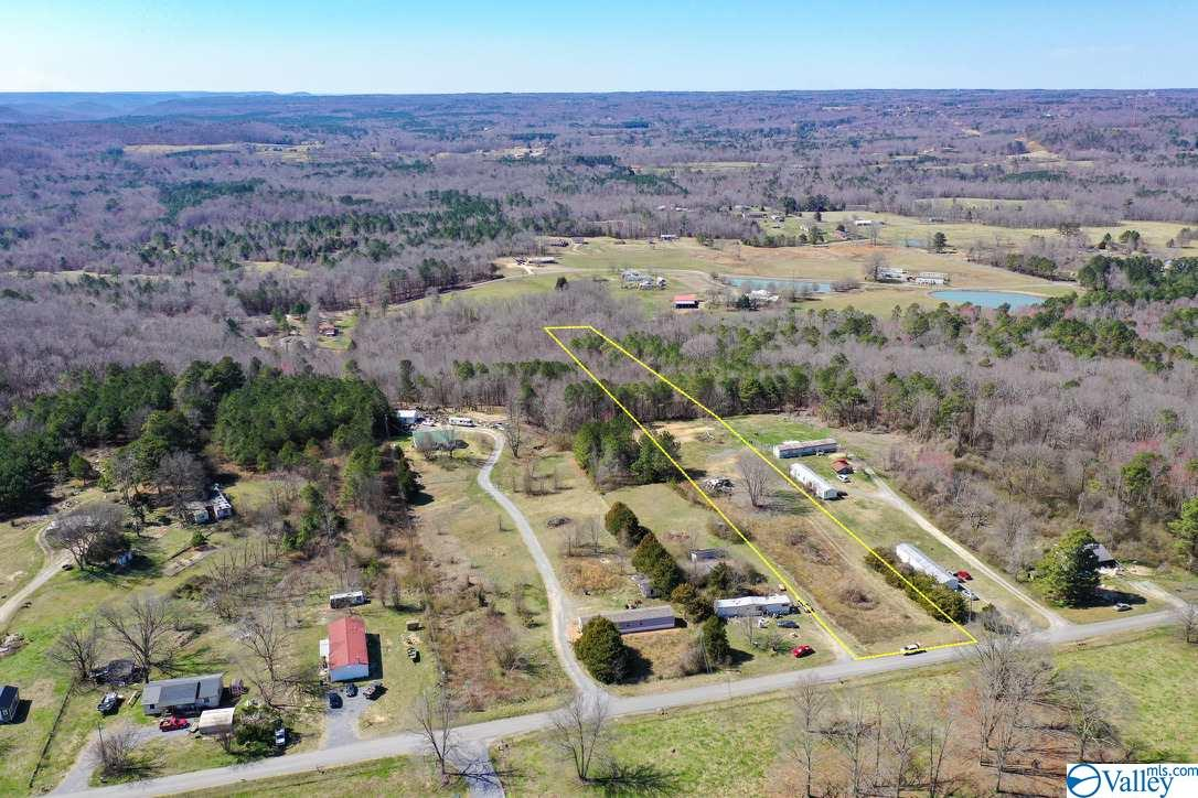 Photo of home for sale at 461 Water Tank Road, Union Grove AL