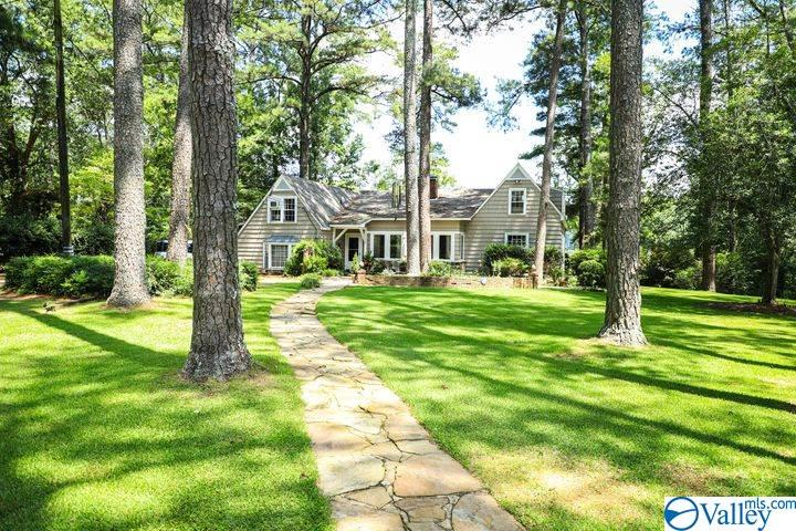 Photo of home for sale at 113 Alpine View, Gadsden AL