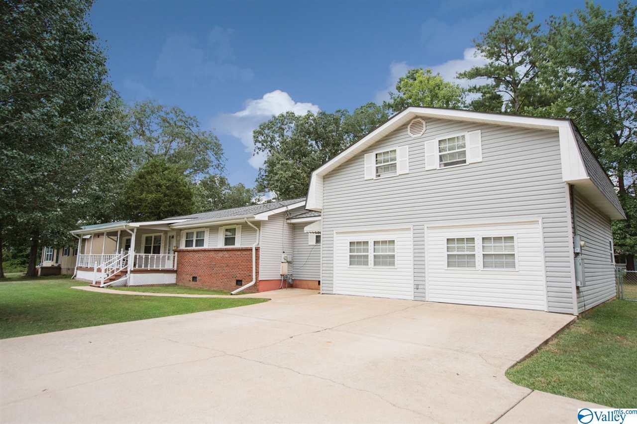 Photo of home for sale at 316 Wilcox Street, Attalla AL
