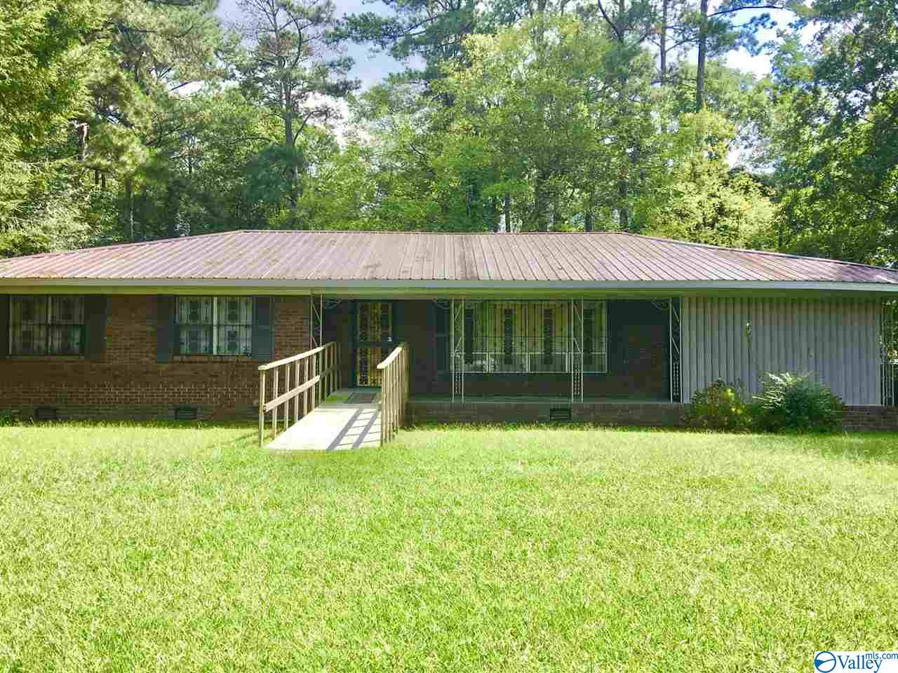 Photo of home for sale at 10233 US Highway 431, Albertville AL