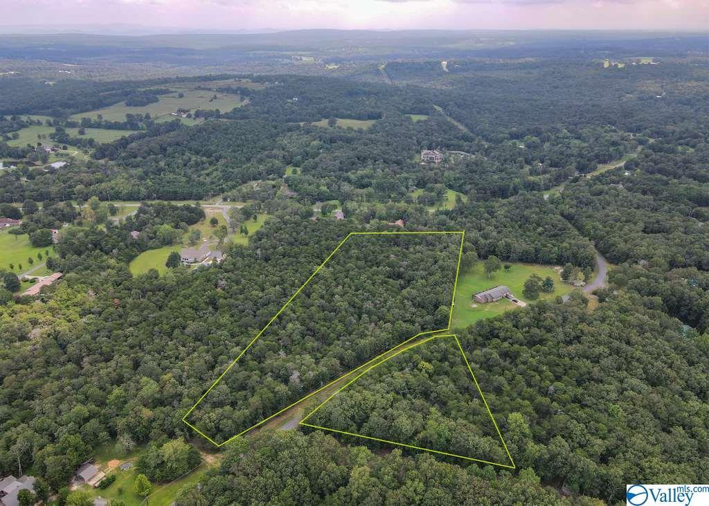 Photo of home for sale at 0 Citadel Rock Road, Fort Payne AL