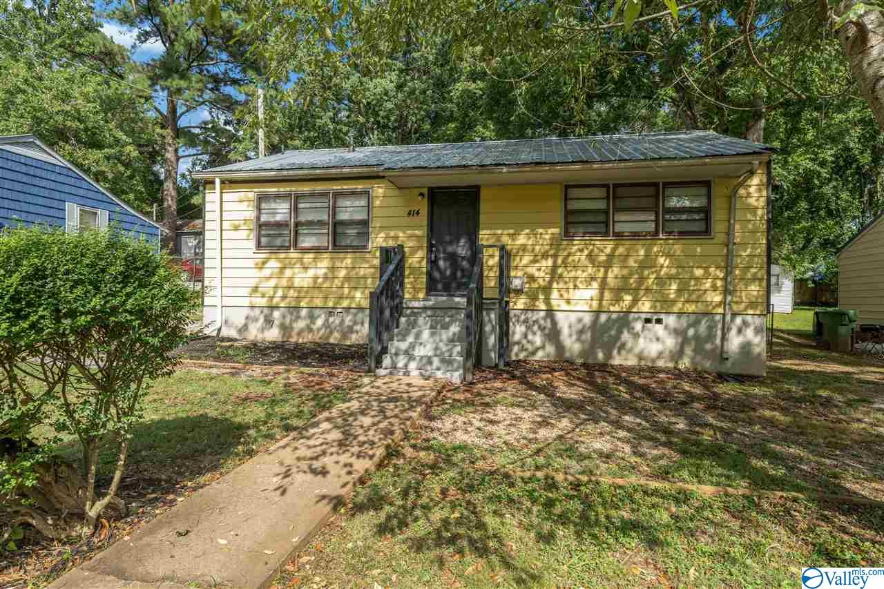 Photo of home for sale at 414 Plymouth Road, Huntsville AL