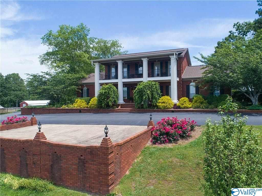 Photo of home for sale at 1210 County Road 870, Collinsville AL