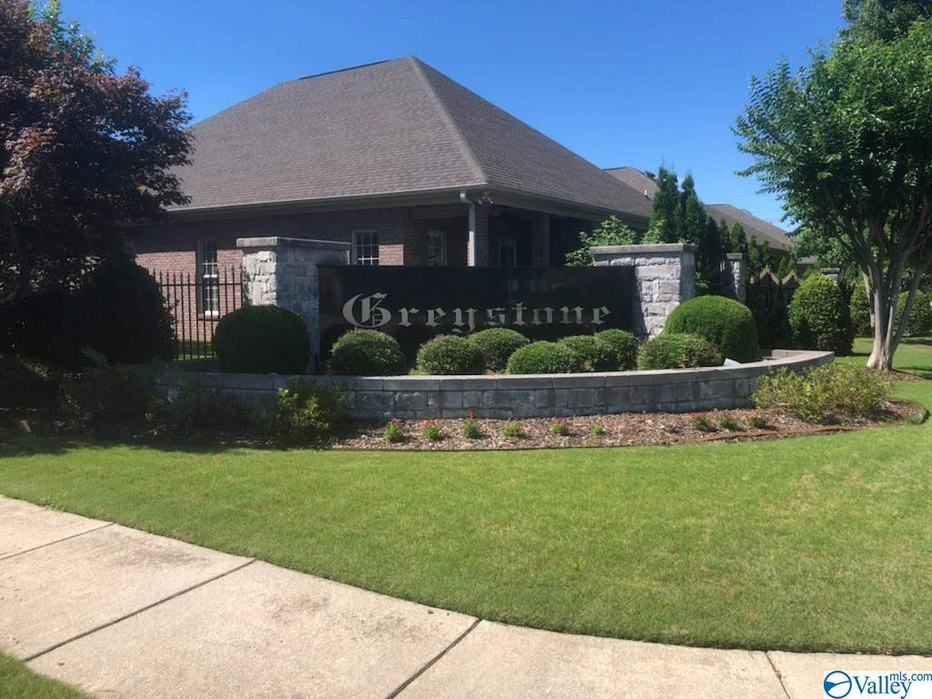 Photo of home for sale at 2334 Aldingham Drive, Decatur AL
