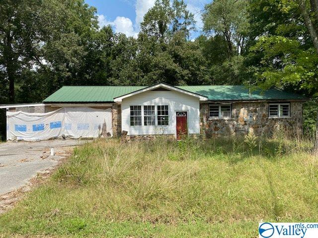 Photo of home for sale at 27 Kolby Lee Drive, Haleyville AL