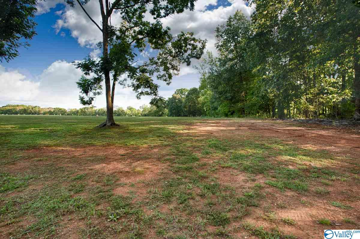 Photo of home for sale at 2 Lakeside Estates Road, Athens AL