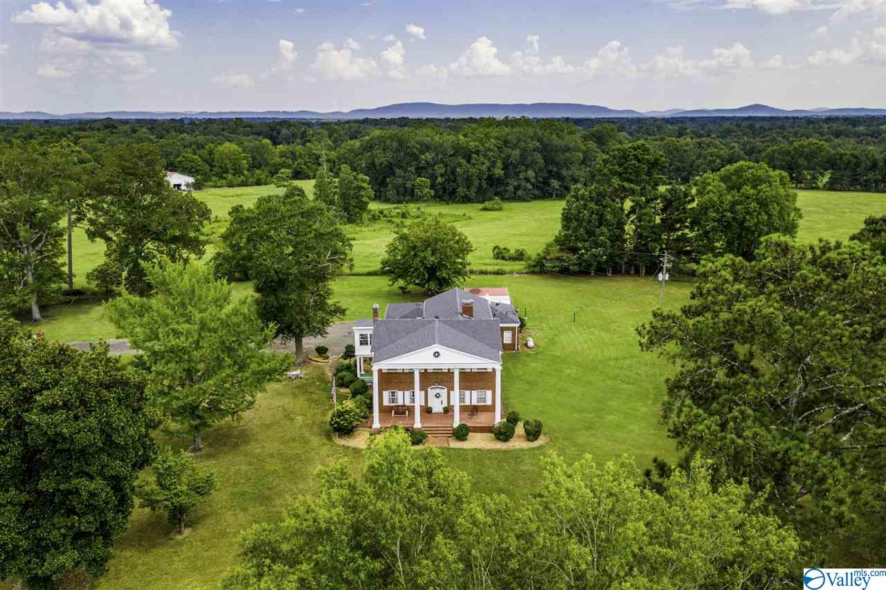Photo of home for sale at 5066 US Highway 11, Attalla AL