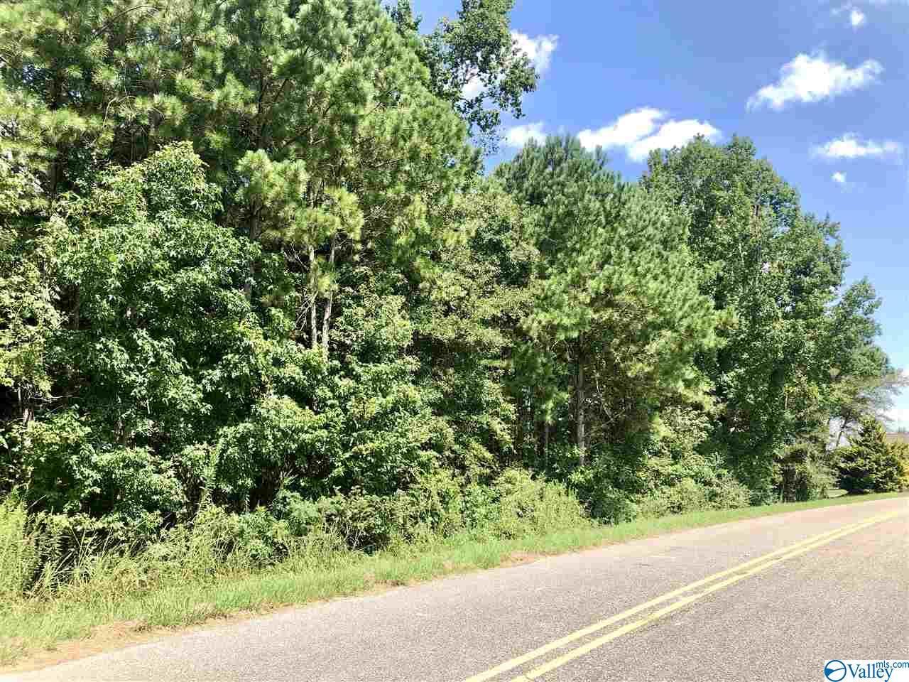 Photo of home for sale at Magnolia Trail, Centre AL