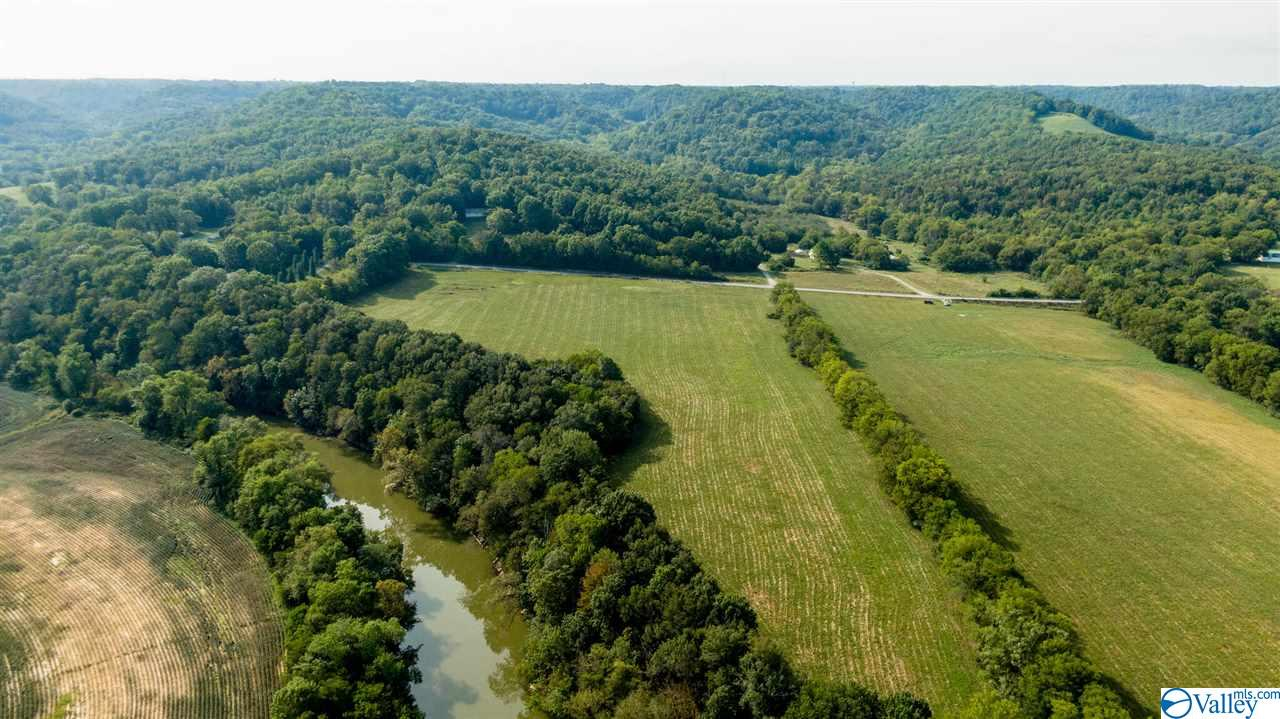 Photo of home for sale at Molino Road, Fayetteville TN