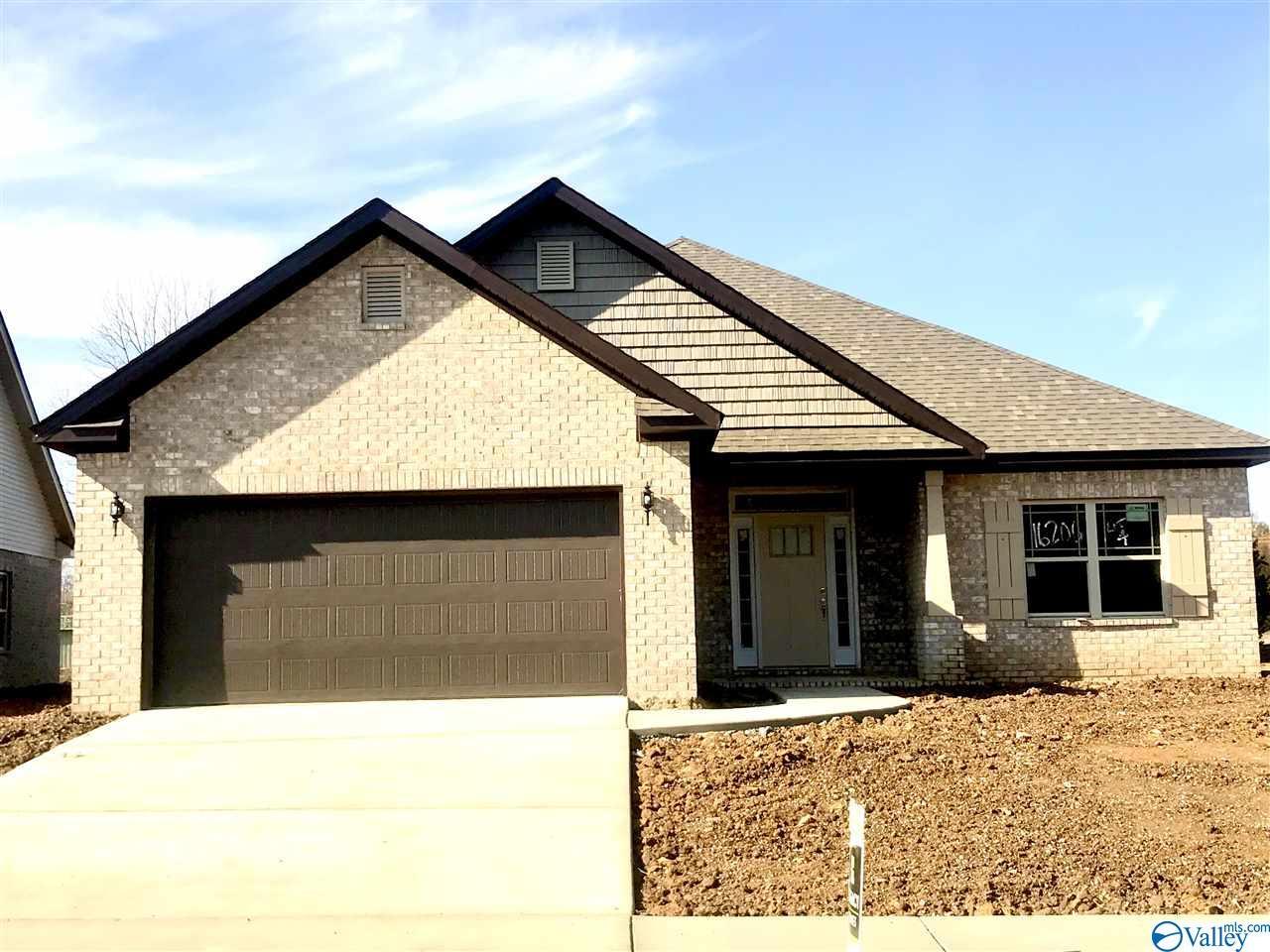 Photo of home for sale at 16206 Trestle Street, Huntsville AL
