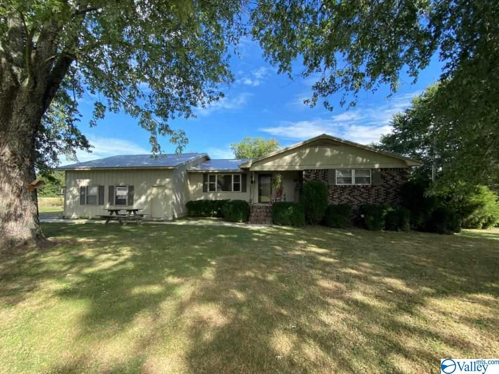 Photo of home for sale at 180 Hood Drive, Boaz AL