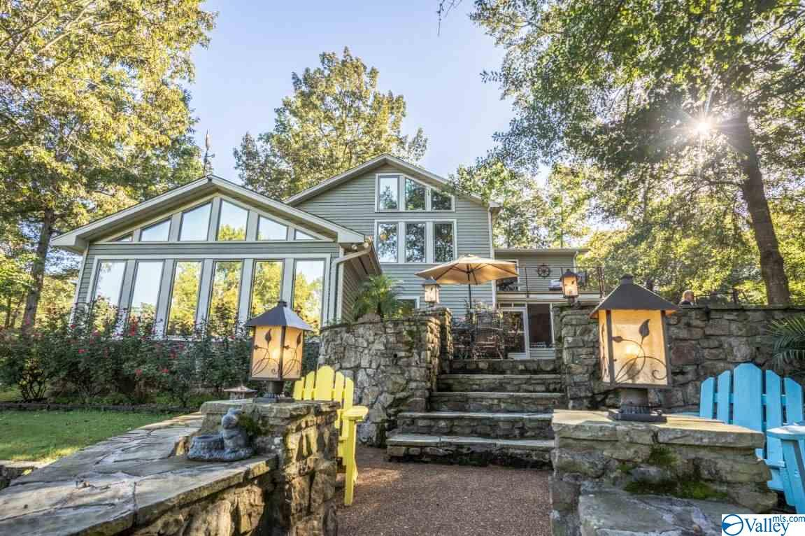 Photo of home for sale at 245 Riverview Circle, Cherokee AL