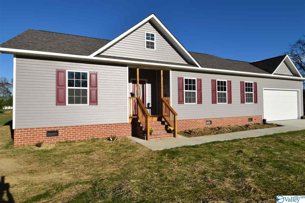 Photo of home for sale at 1262 Union Grove Road, Guntersville AL