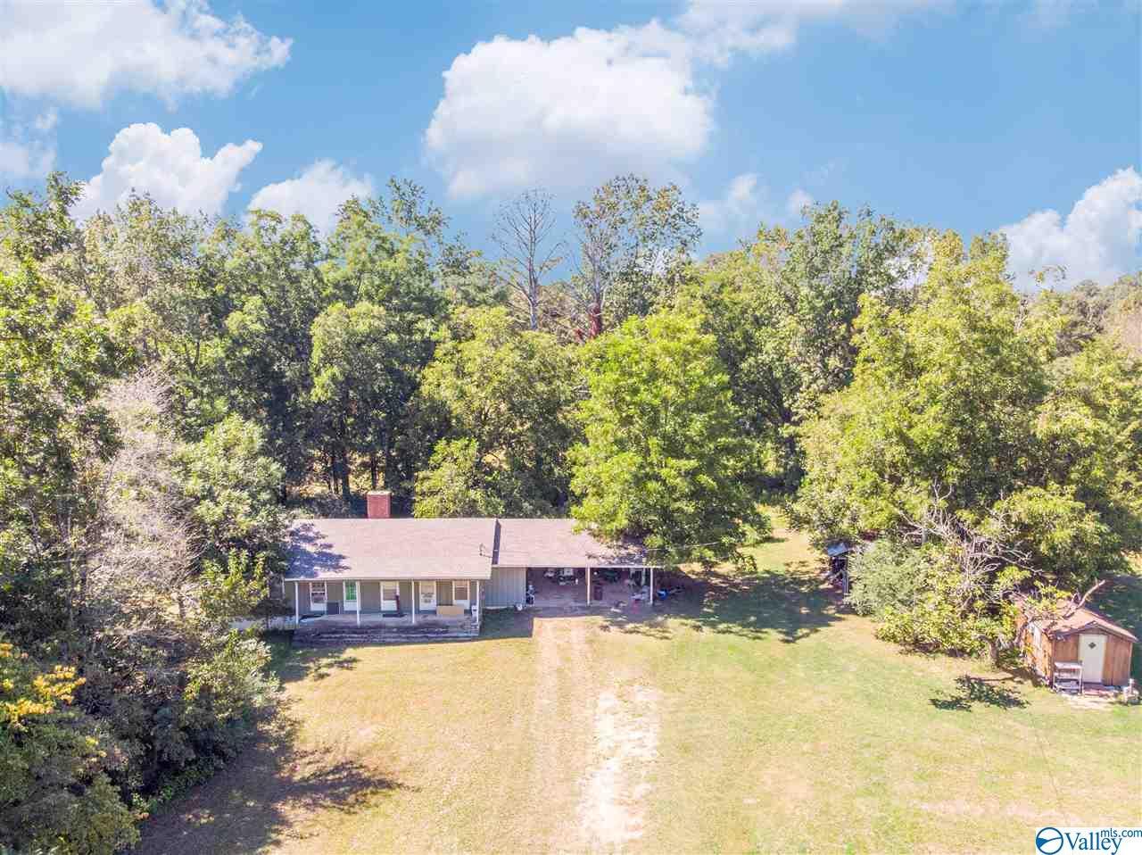 Photo of home for sale at 2109 Main Avenue, Cullman AL