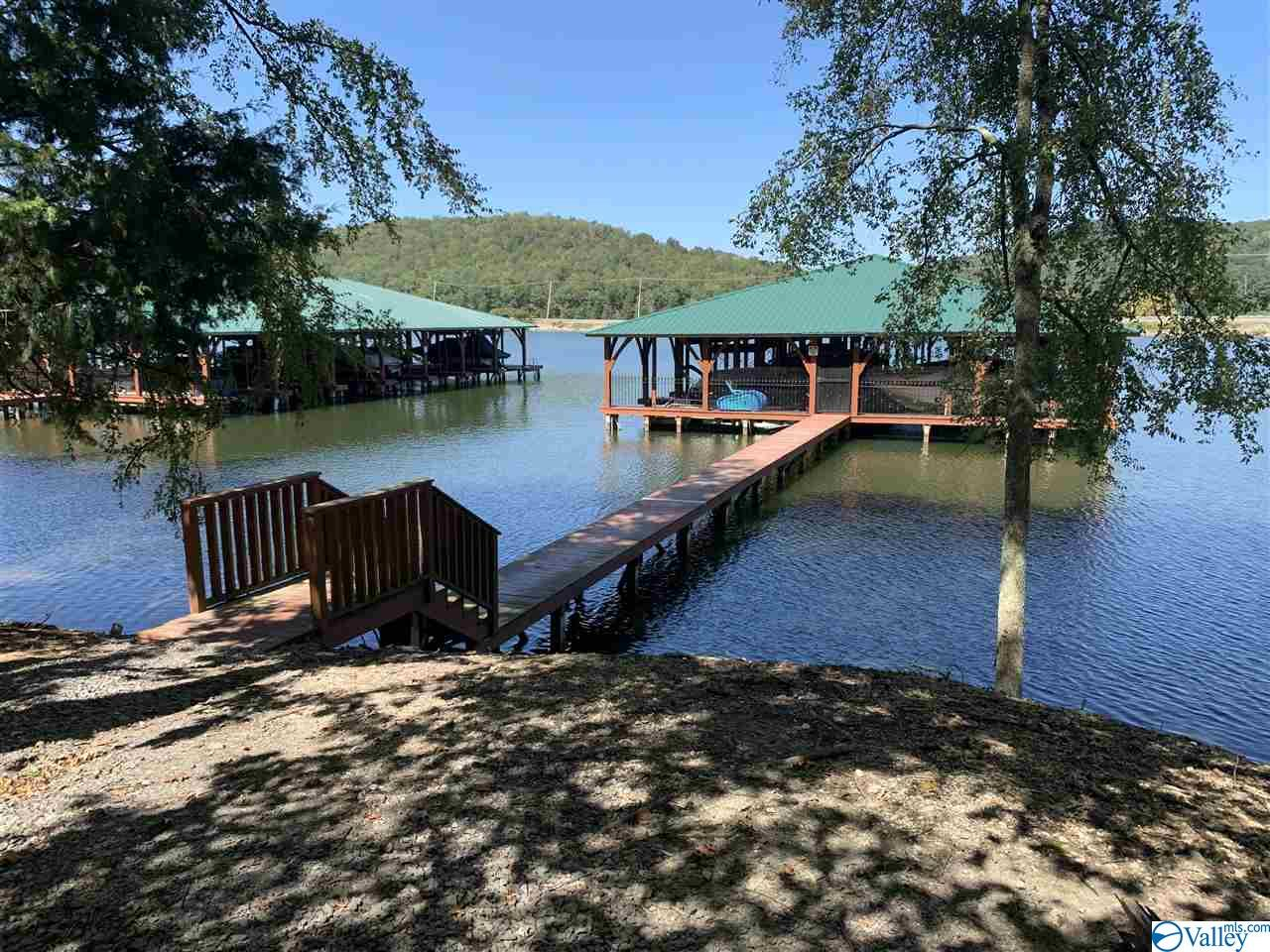 Photo of home for sale at 18 Mitchell Hollow Road, Grant AL