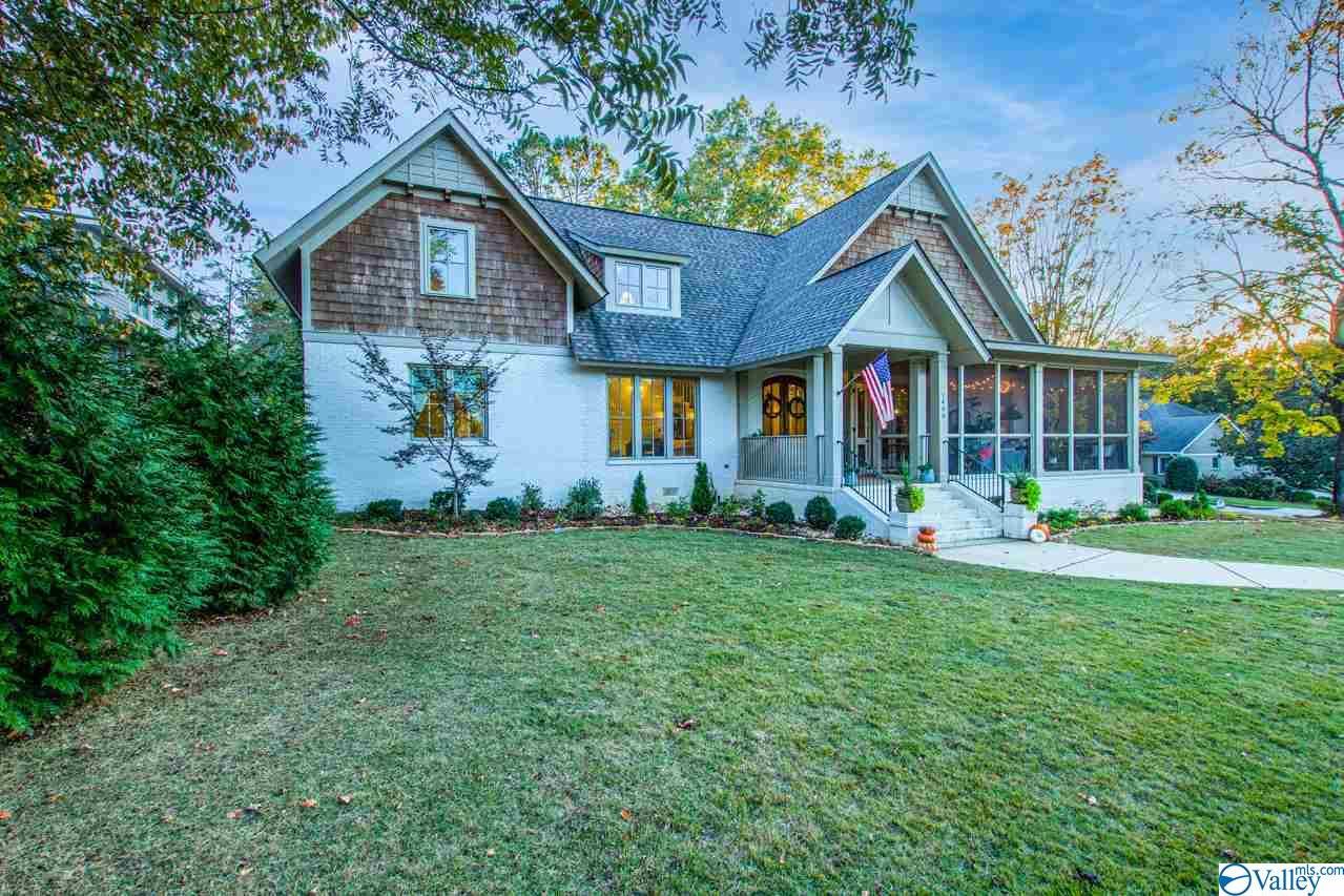 Photo of home for sale at 1400 Olive Drive, Huntsville AL