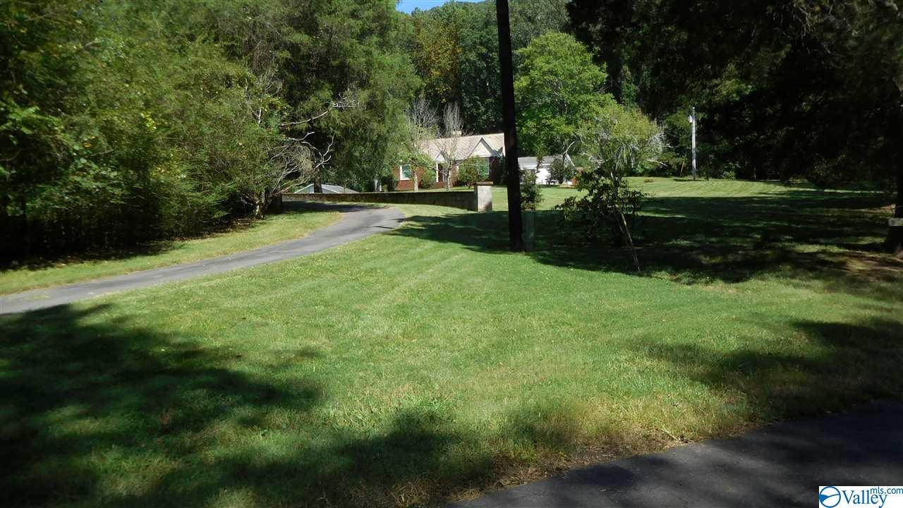 Photo of home for sale at 810 Old Larkinsville Road, Scottsboro AL