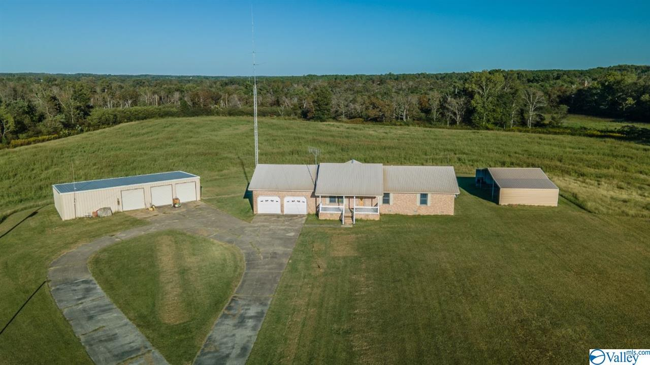 Photo of home for sale at 428 County Road 346, Geraldine AL