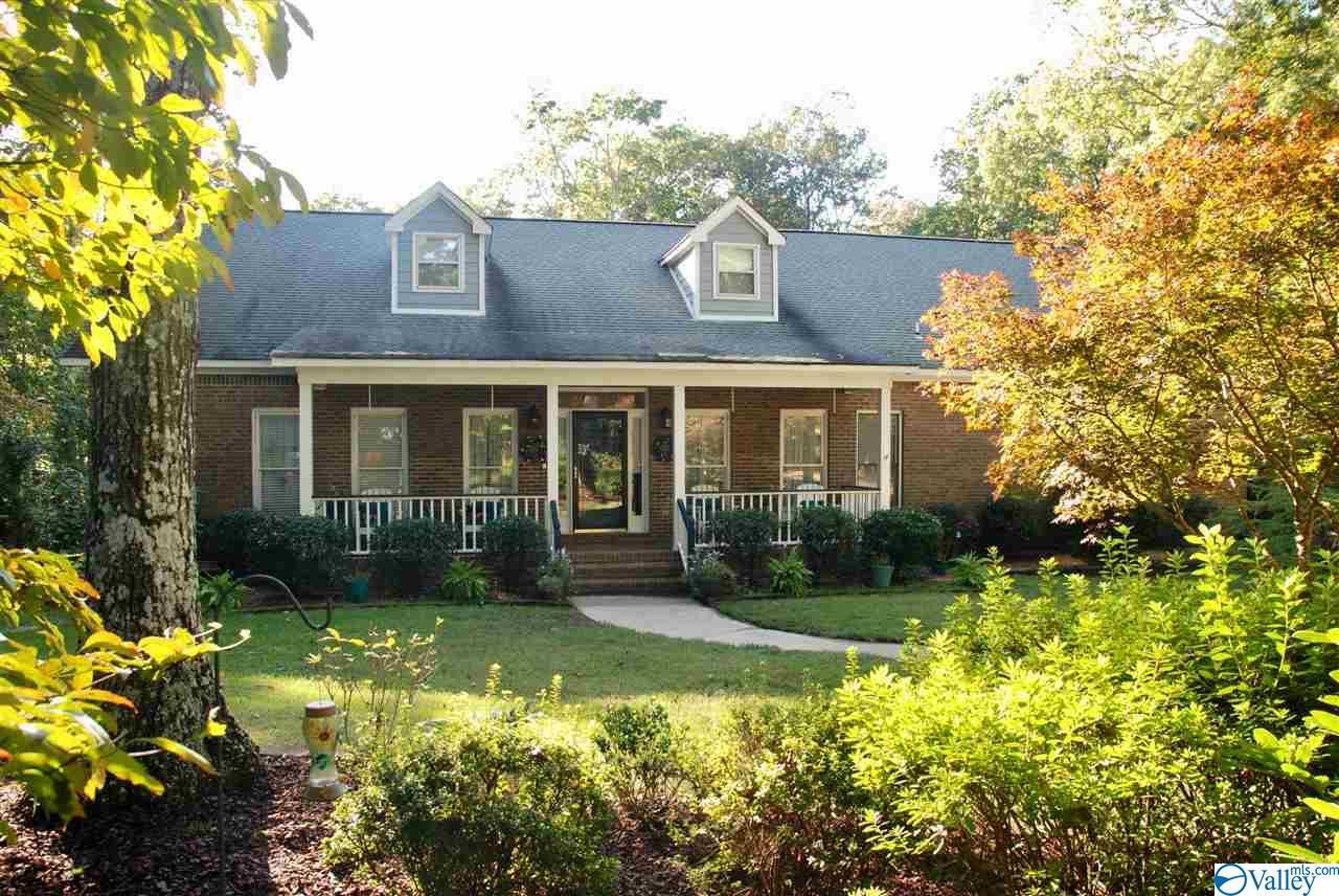 Photo of home for sale at 2620 Arlon Owens Circle, Huntsville AL