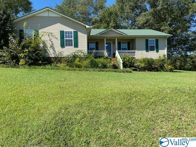 Photo of home for sale at 5220 Mountain Pass Road, Southside AL