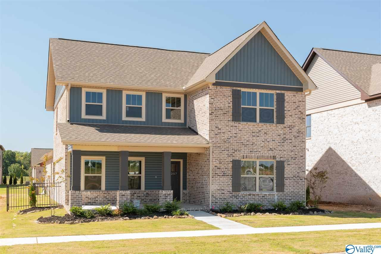 Photo of home for sale at 17323 Brooklawn Street, Athens AL