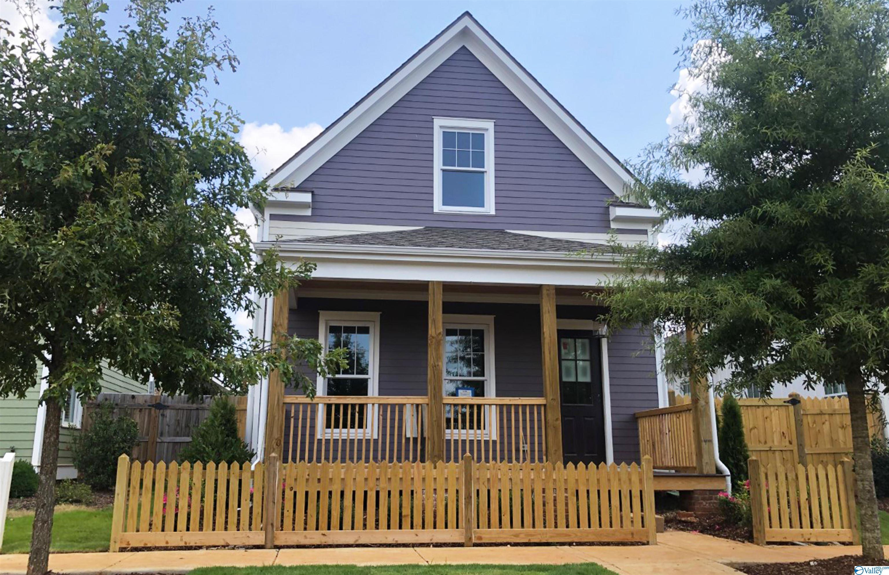 Photo of home for sale at 119 Lombard Street, Madison AL
