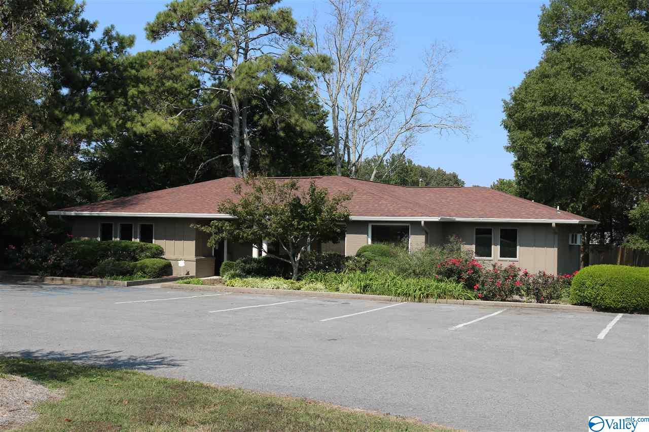 Photo of home for sale at 114 Emmett Ayers Road, Grant AL