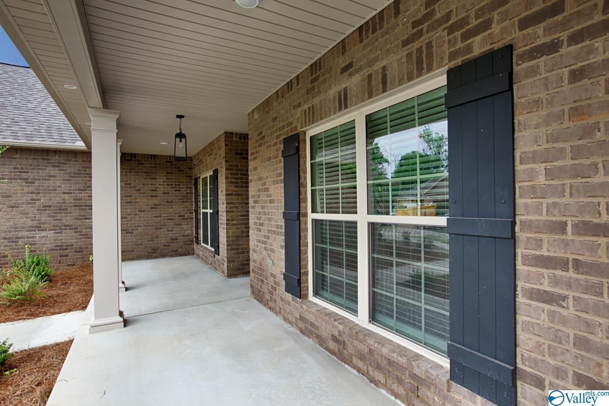 Photo of home for sale at 128 River Mill Road, Huntsville AL