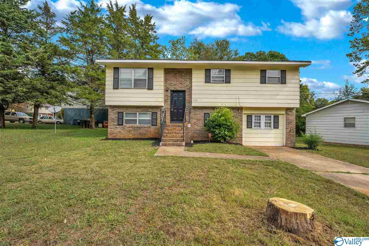 Photo of home for sale at 3722 Valleydale Road, Huntsville AL