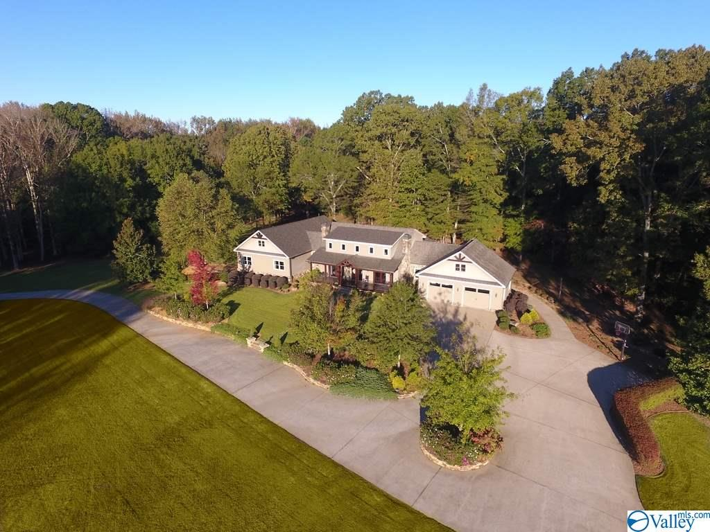 Photo of home for sale at 525 Kasmeier Road, Florence AL