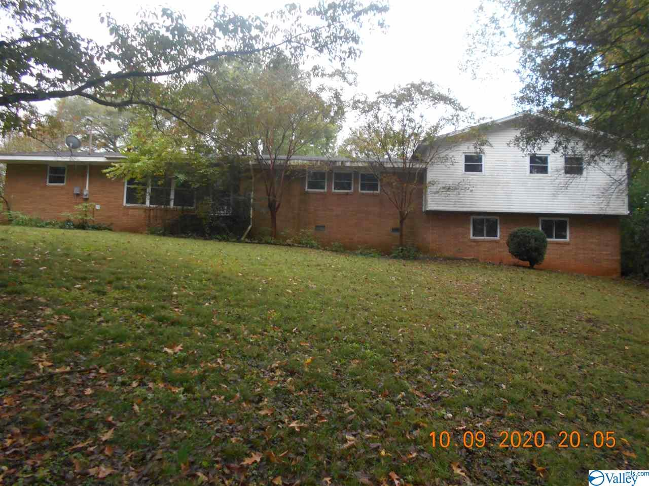 Photo of home for sale at 1252 Moontown Road, Brownsboro AL