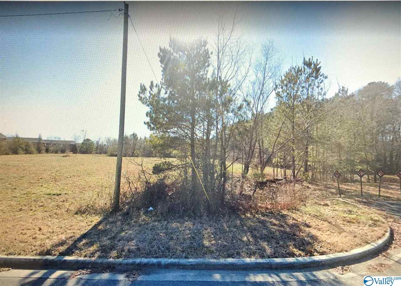 Photo of home for sale at Somerset Drive, Athens AL