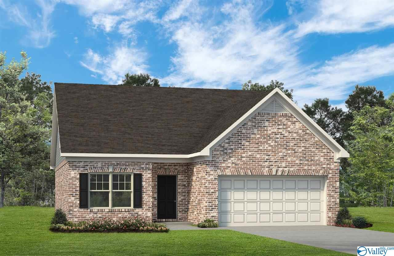 Photo of home for sale at 101 Lincoln Gray Circle, New Market AL
