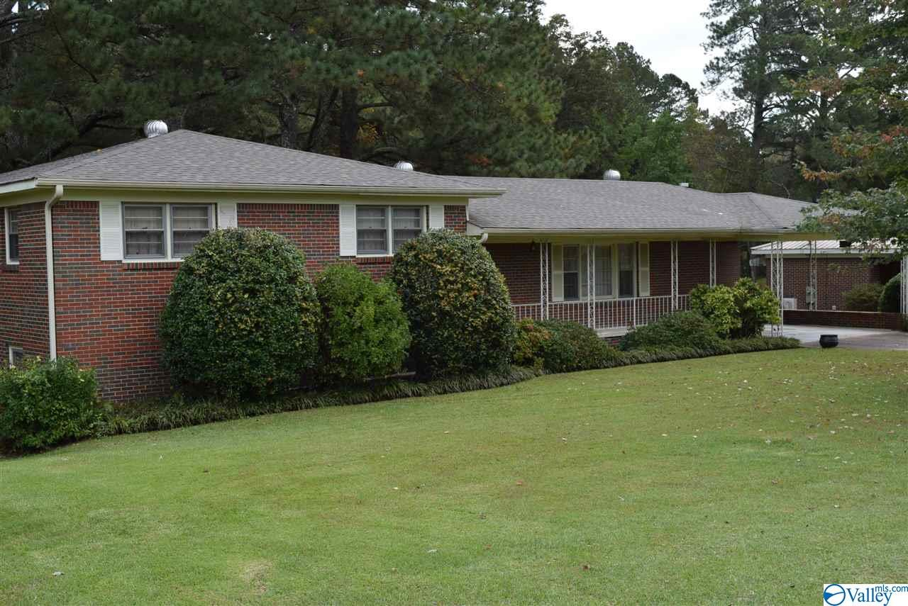 Photo of home for sale at 2221 Fairview Road, Gadsden AL
