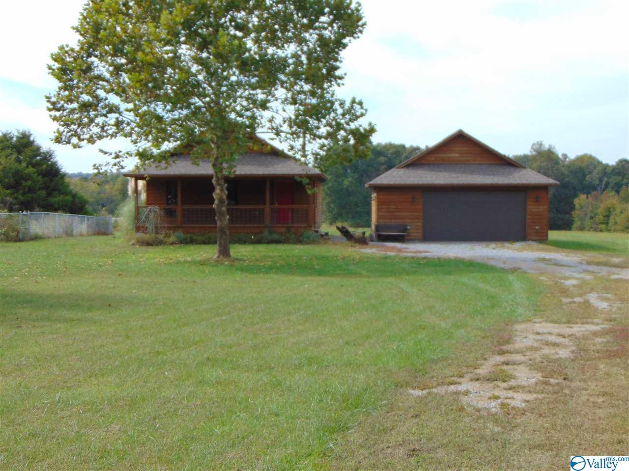 Photo of home for sale at 2114 Howell Drive, Fort Payne AL