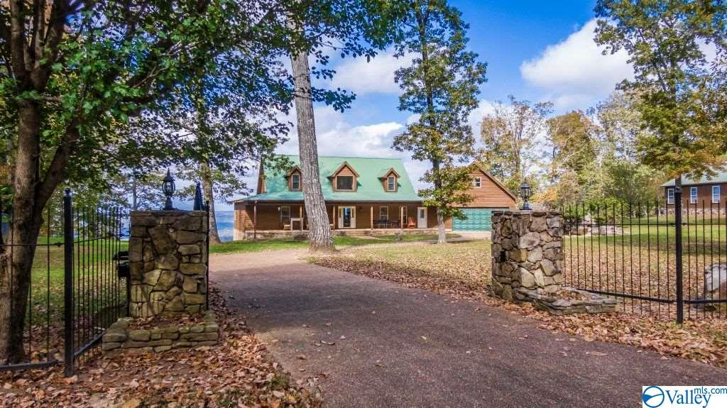 Photo of home for sale at 17339 Scenic Highway 89, Mentone AL