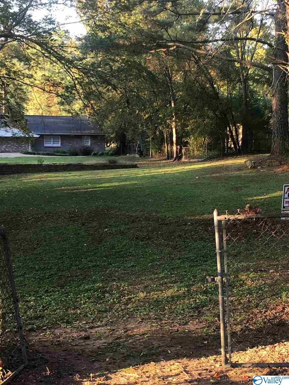 Photo of home for sale at 0 Lovejoy Place, Gadsden AL