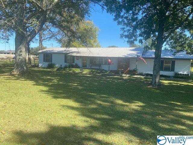 Photo of home for sale at 3556 County Road 434, Moulton AL