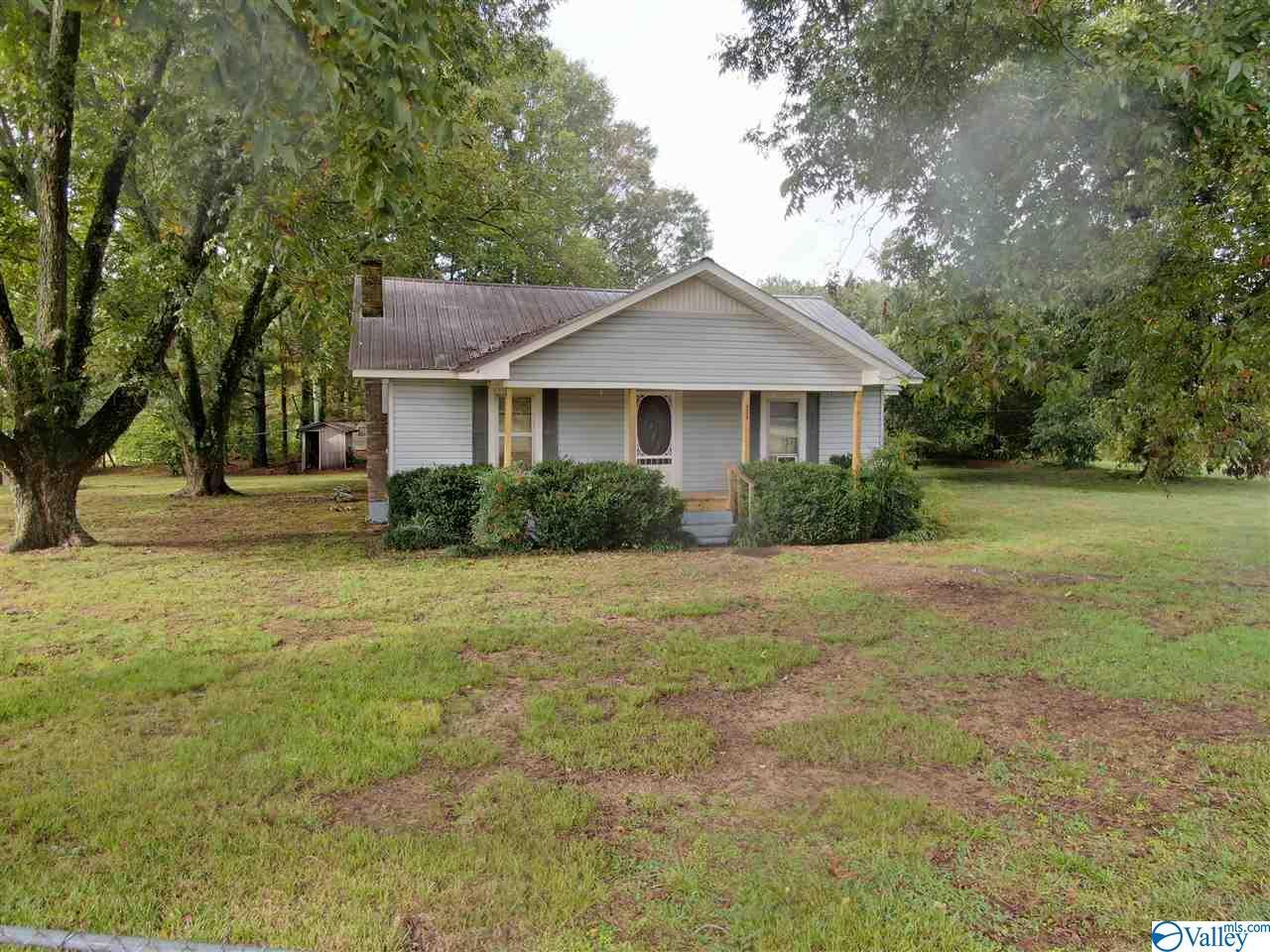 Photo of home for sale at 12091 Al Hwy 168, Boaz AL