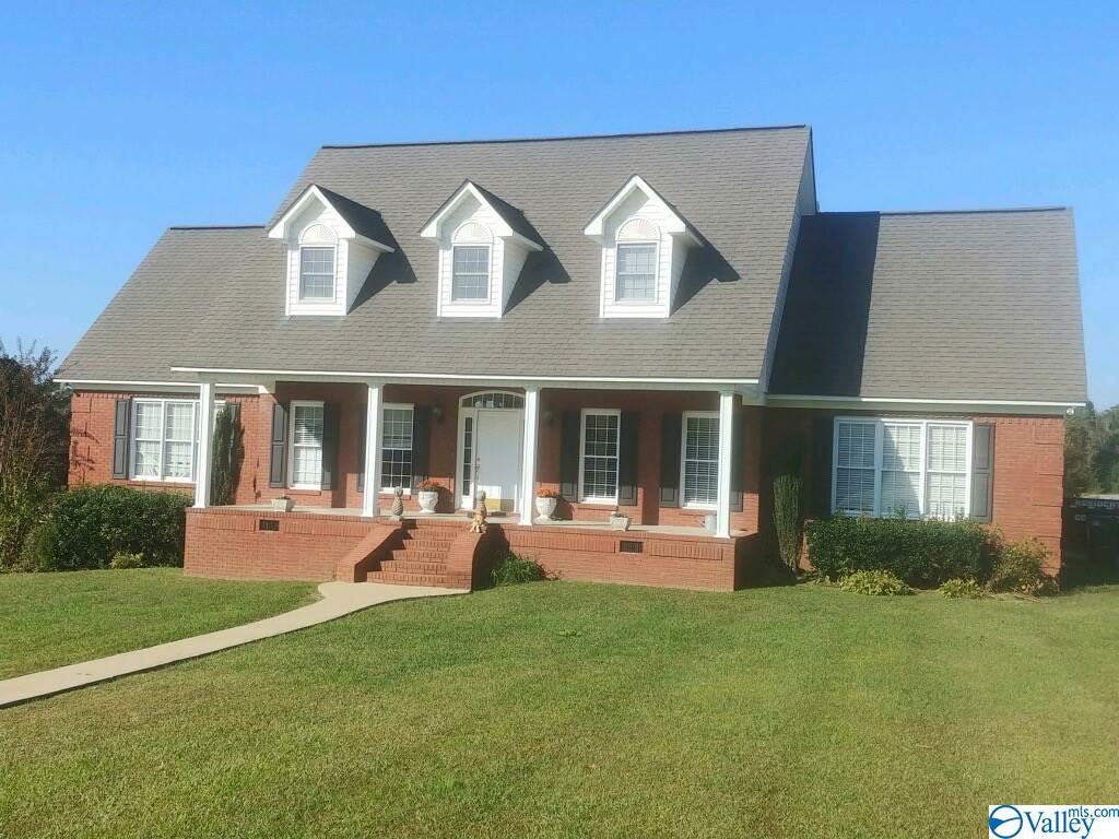 Photo of home for sale at 220 Fox Chase Drive, Hokes Bluff AL