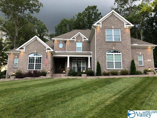 Photo of home for sale at 102 Phillips Ridge Drive, Huntsville AL